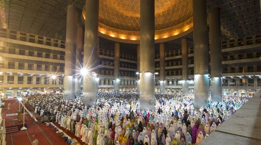 Muslim Holy month of Ramadan begins Monday - www israelhayom com