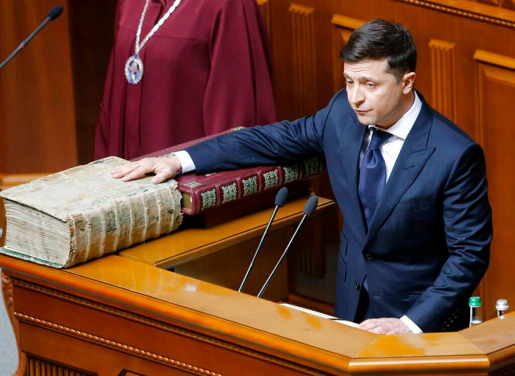 5dd27e631 Ukraine gets first Jewish president as Zelensky takes office - www ...