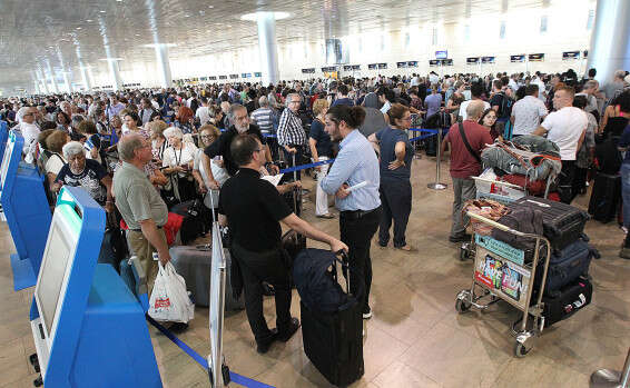 Record number of Israelis fly overseas in first half of 2019 - www