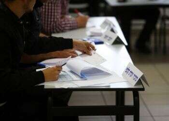 Poll: Likud retakes lead, Right nears 60 seats without