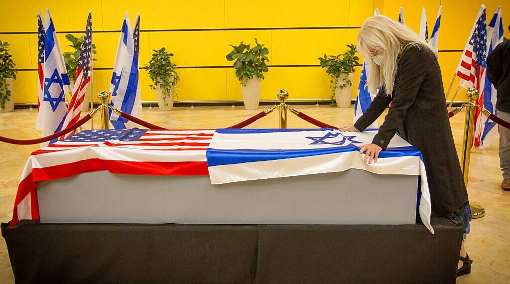 El filántropo Sheldon Adelson será sepultado el viernes