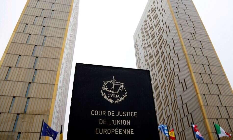 Turquia: UE proíbe lenço de cabeça e declara violação das liberdades